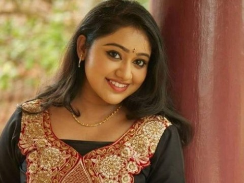 Meghna Vincent Chandanamazha Serial Actress
